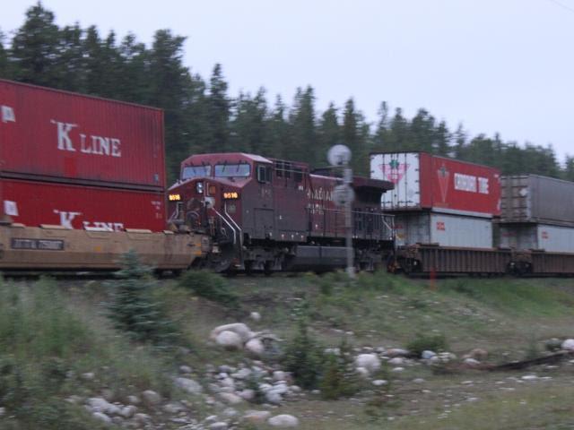 CP 9516 at Eldon, Alberta