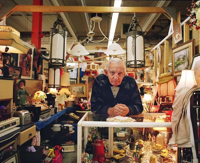 A stranger, Flea market