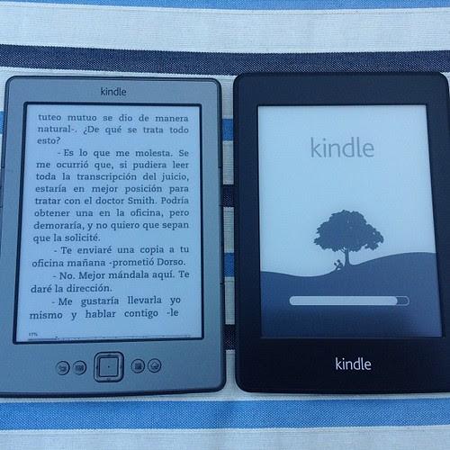 Kindle Whitepaper recibido, junto a su viejo hermano
