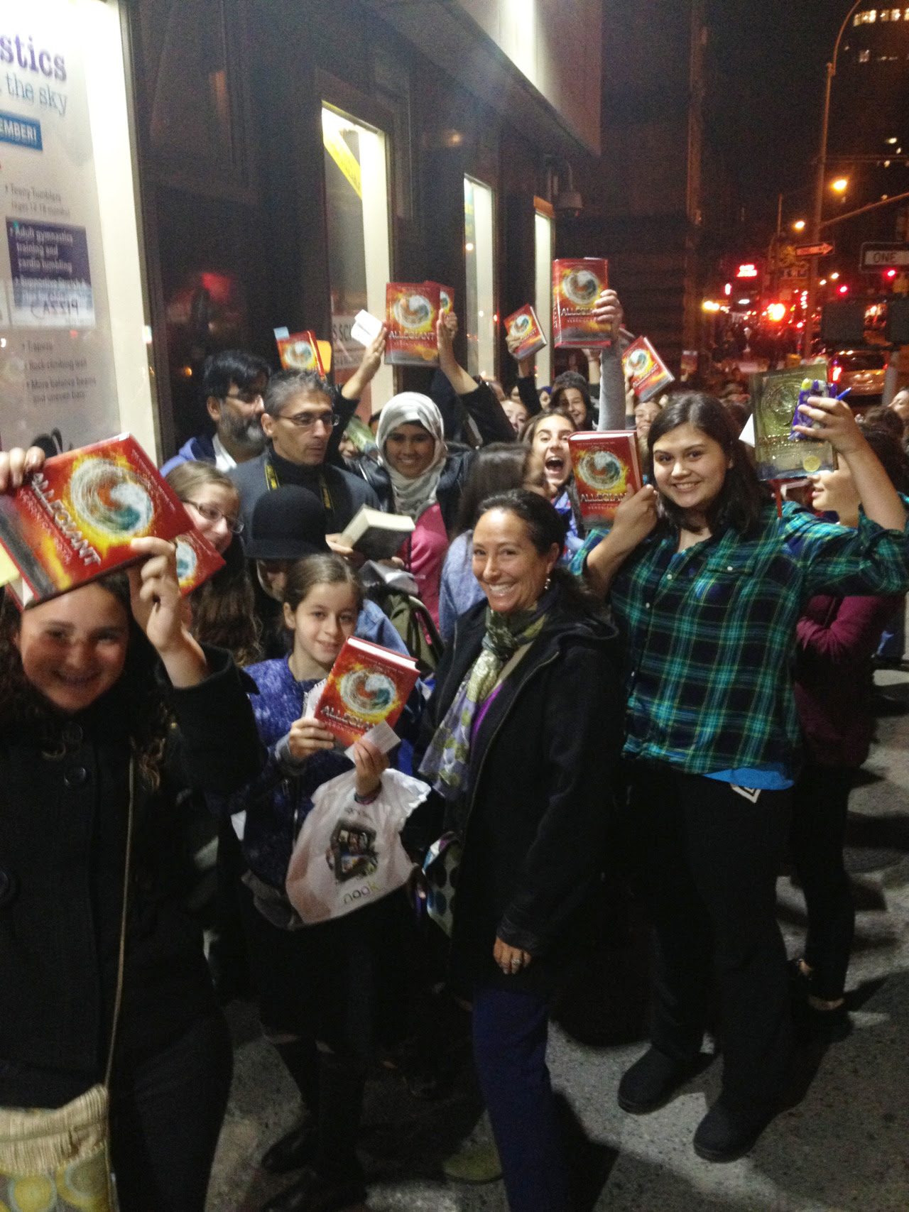 A few of the Initiates lined up for Veronica Roth's signing at last night's NYC ALLEGIANT tour event at the 92nd Street Y!