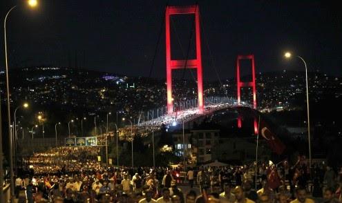 Medo e incerteza entre os cidadãos de Istambul