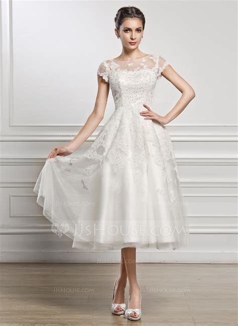 A Line/Princess Scoop Neck Tea Length Tulle Lace Wedding