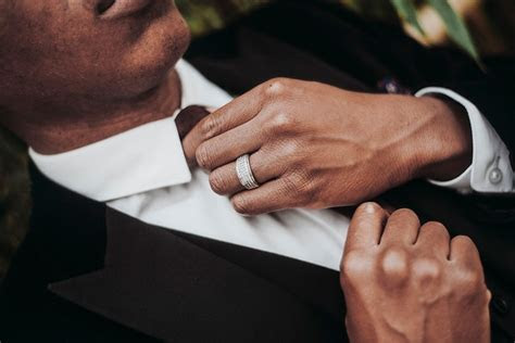 Guide to Buying a Men's Wedding Ring   Man of Many