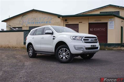 ford everest trend review