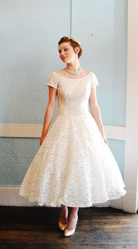 Etsy Wedding Dresses   Vintage 1950s White Lace Cap Sleeve