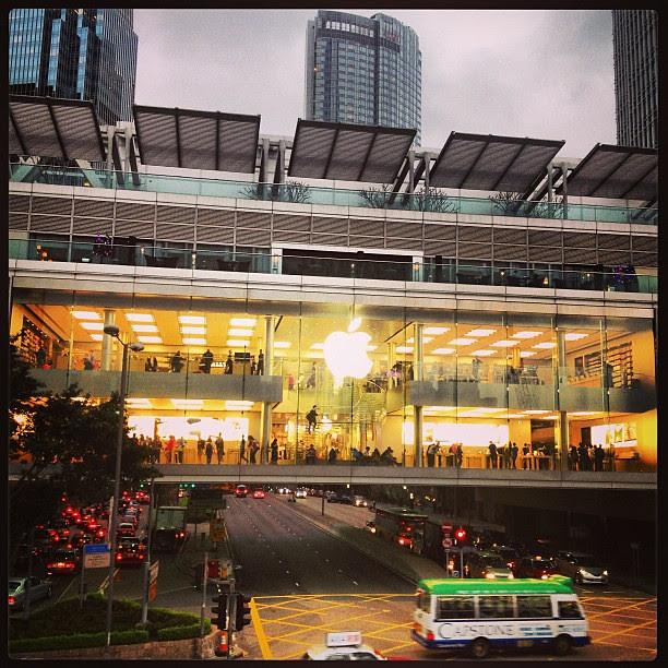 巨大APPLE! #ladyous #hongkong #apple
