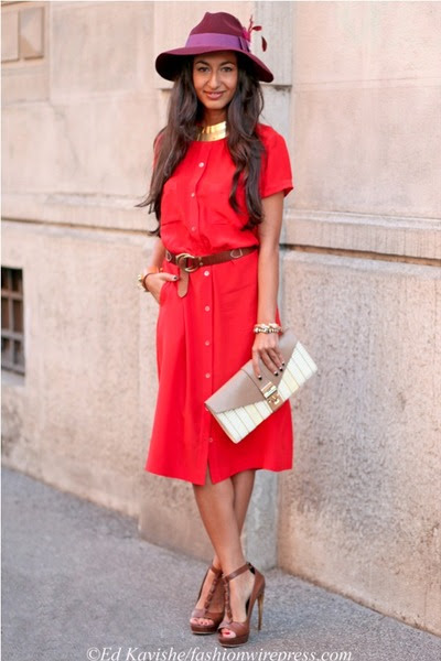 Red-vintage-pierre-balmain-dress-maroon-gucci-hat-beige-ita-collection-bag
