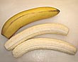 bananas descascadas e cortadas no comprimento