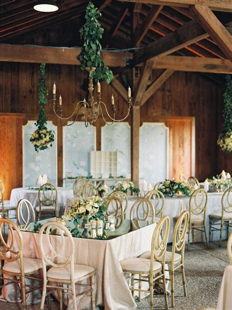 8 Things You Need to Know If You Aren't Hiring a Wedding