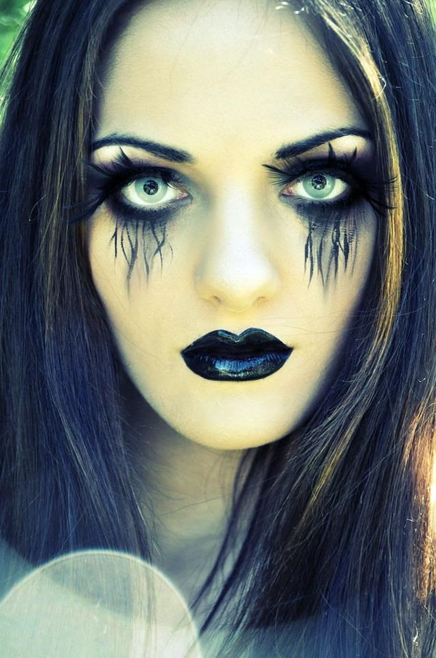 the theme for my music magazine is going to be halloween and this make-up would be perfect for a front cover as its not too scary but still has that theme.