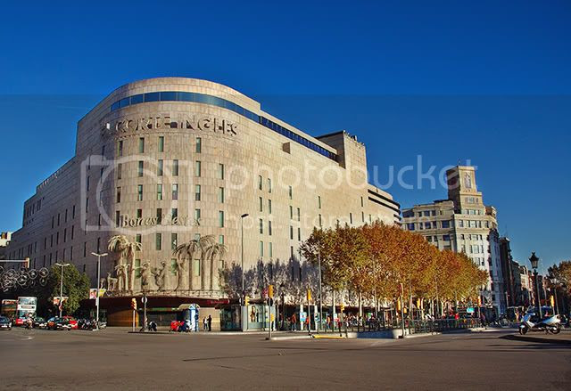El Corte Ingles Department Store at Catalonia Square, Barcelona [enlarge]