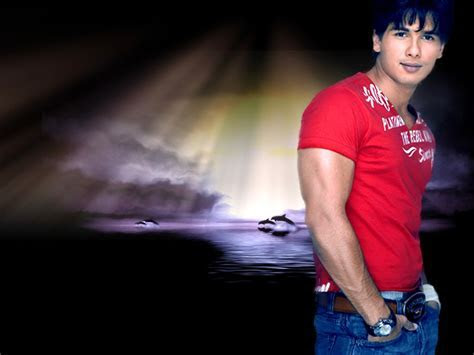 Shahid Kapoor Height Pictures   SheClick.com
