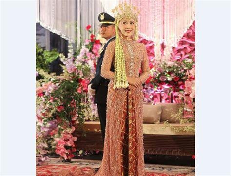 inspirasi baju kebaya pengantin  terbaru