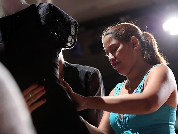 Na edição do Unifor Moda Integra, foi realizado um desfile especialmente para deficientes visuais acompanhado de audiodescrição (Foto: Ares Soares/Unifor)