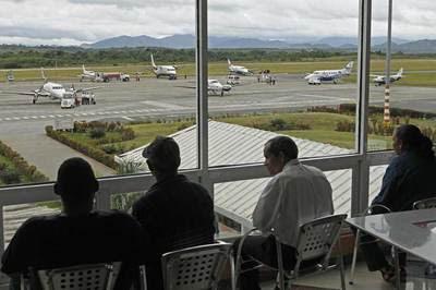 Aeropuerto de Santo Domingo, saturado por la ayuda a Haití