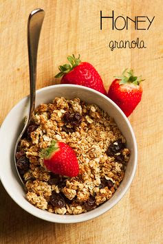 Honey Granola Recipe - no refined sugar and easy to make with kids