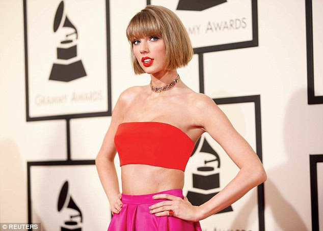 Bad Blood: Parece que um Jaffar aparentemente levou seu fandom um pouco longe demais recentemente, quando o jovem de 29 anos foi preso depois de perseguir Taylor Swift durante vários meses em Nova York (Swift, em fevereiro de 2016)