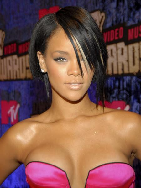 hot cleavage Rihanna