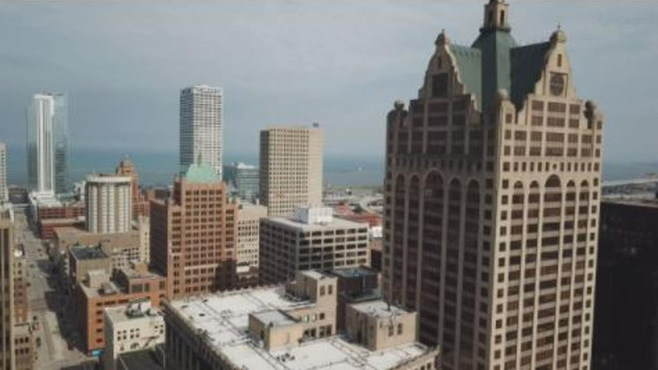 Milwaukee anxiously awaits visitors after devastating year for tourism
