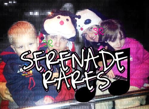 A new rare of Selena Gomez and Justin Bieber with Justin's siblings at Disneyland.