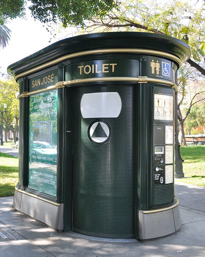 Najdziwniejsze toalety na świecie, http://www.flickr.com/photos/ddebold/3459317704/