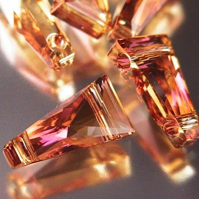 27751810023001 Swarovski Elements Bead - 2 Hole Keystone (5181) - Crystal Copper (1)