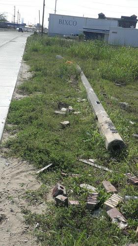 Earhart Construction DebrisP4080130