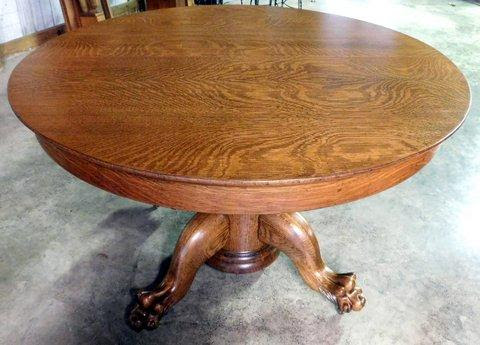 Smiths Antiques D501 48 Round Tiger Oak Table W Clawfeet