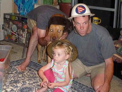 FamilyHats.jpg (64870 bytes)