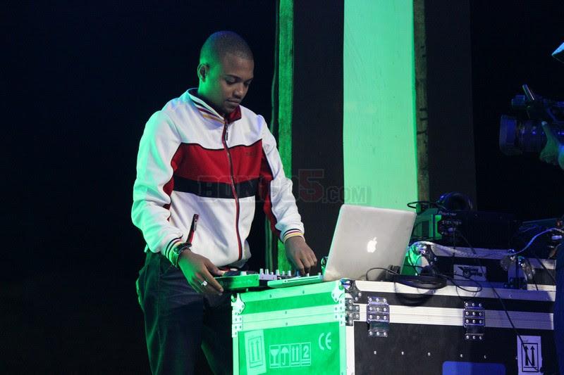Producer Lamar akiwarusha mashabiki wa moshi kwa ngoma za Refix alizo zirudia