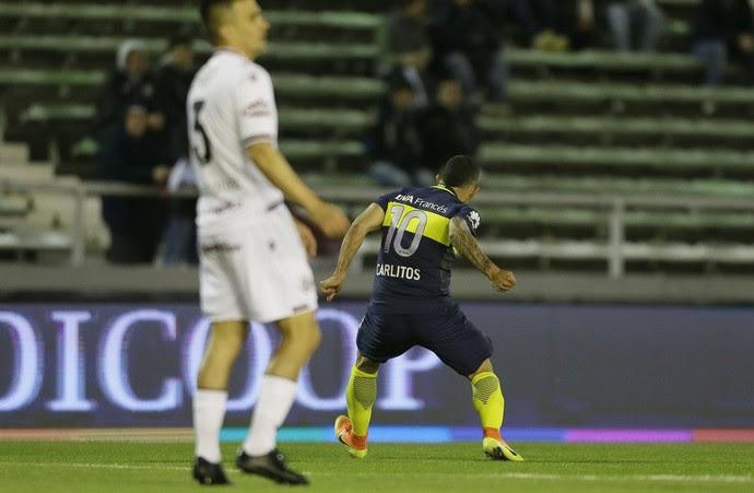 Tevez comemora gol do Boca Juniors sobre o Lanus (Foto: Reprodução de Twitter)