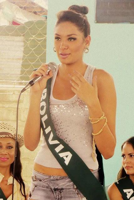 Maria Rene Carmona en Filipinas durante el Miss Tierra 2013
