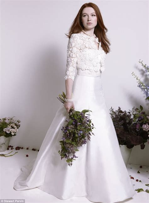 Stewart Parvin favourite to design Meghan's wedding dress