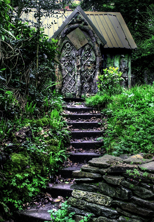http://angiwallace.deviantart.com/art/witches-cottage-entrance-hdr-84596303