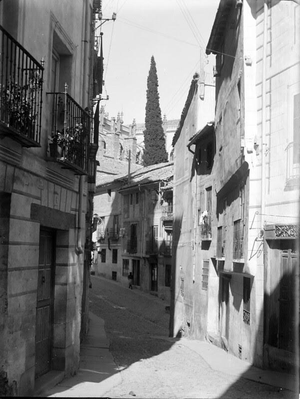 Calle de Santa Isabel en los años 20. Fotografía de Otto Wünderlich. © Fototeca del Patrimonio Histórico