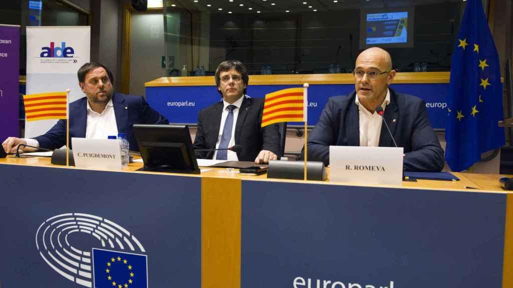 Junqueras, Puigdemont y Romeva en Bruselas.