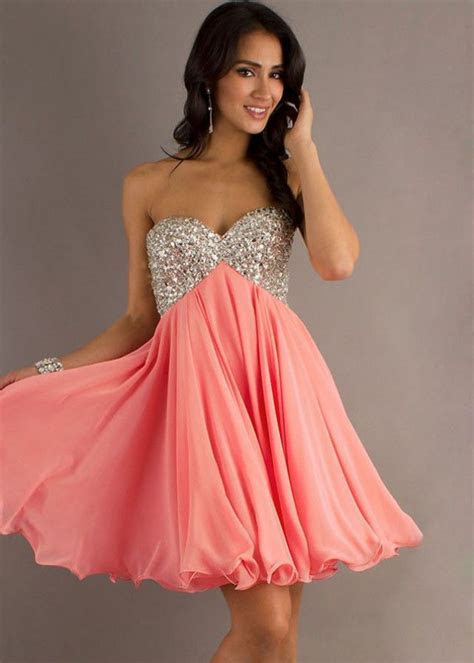 Kratke korzet haljine   Moda   Pinterest   Vestidos