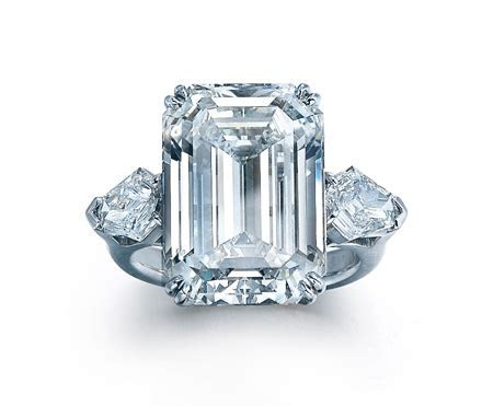 How Much Should You Spend on an Engagement Ring?   Eiseman