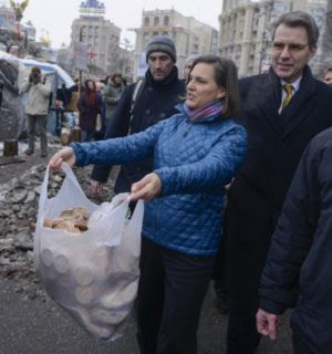 "Victoria Nuland doing her ""cookies for cops"" routine"