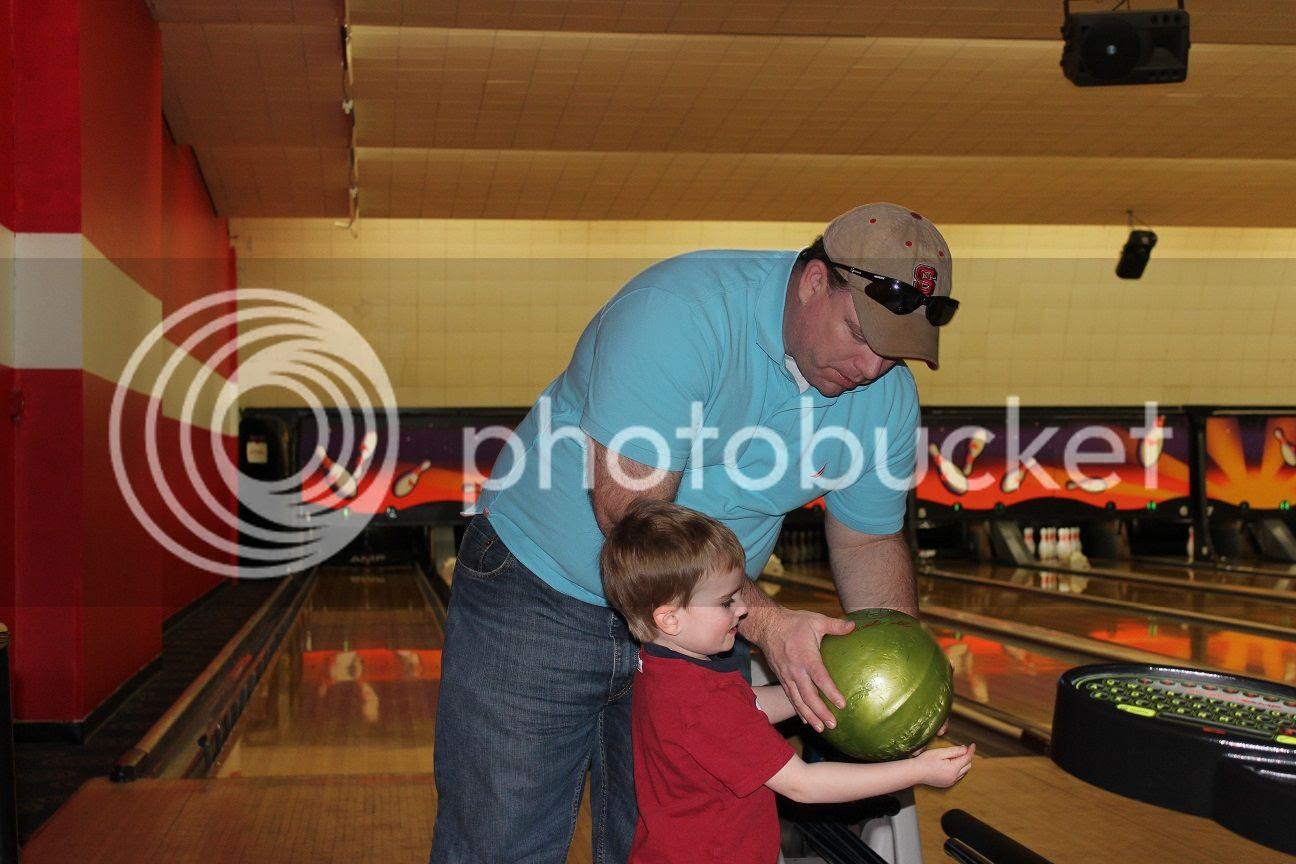 photo bowling1_zpsxxzui9yi.jpg