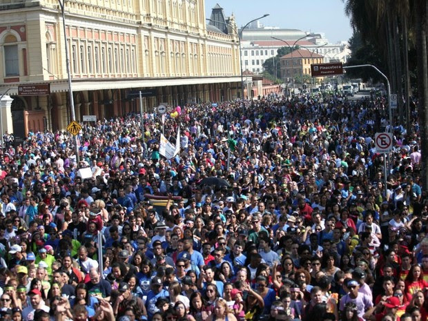 Participantes da Marcha para Jesus 2015 (Foto: Marcelo Brandt/G1)