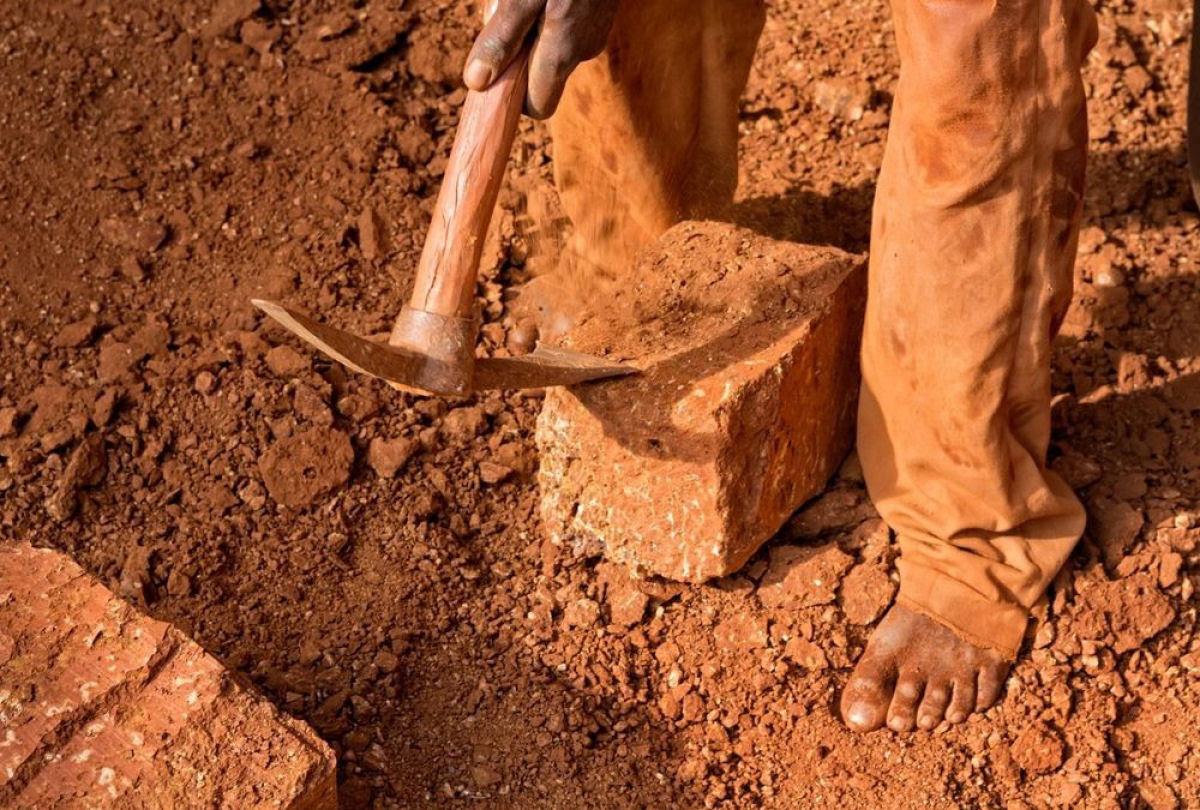 A pedreira de tijolos de Karaba em Burkina Faso 11