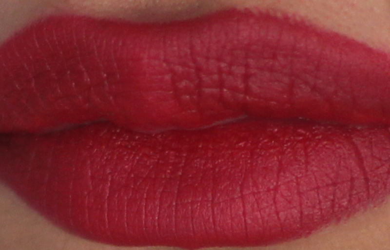NO7 STAY PERFECT LIPSTICK LOVE RED