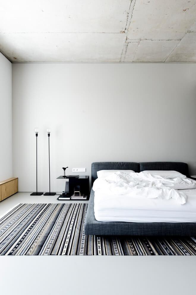 18 Strikingly Beautiful Industrial Bedroom Design Ideas
