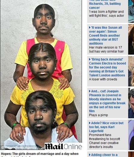 As meninas moram em uma vila na Índia