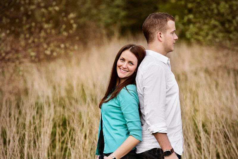 portrait photogrpahy of couple in field photo locationpotraits9PhilLynchPhotographer_zps5816d86e.jpg