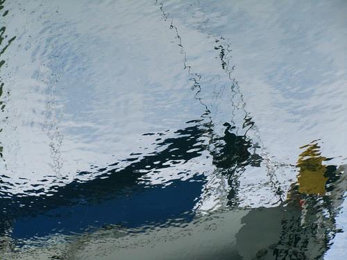 Un barco en el agua by JoseAngelGarciaLanda