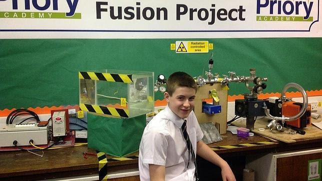 Construye un reactor de fusión nuclear con solo 13 años