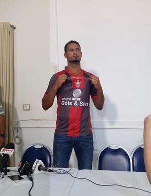 Goleiro Bruno Fernandes é apresentado no Boa Esporte (Foto: Régis Melo)