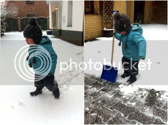 Jannes schippt Schnee